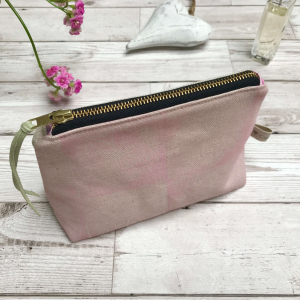 Cushie Doo - Cosmetic Purse Soft Pink e (1)e