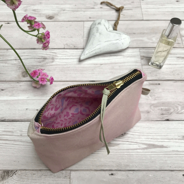 Cushie Doo - Cosmetic Purse Soft Pink e (1)a