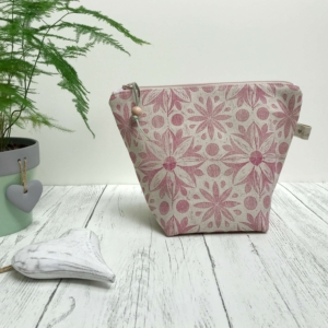 Cushie Doo - Toiletry Bag Soft Pink
