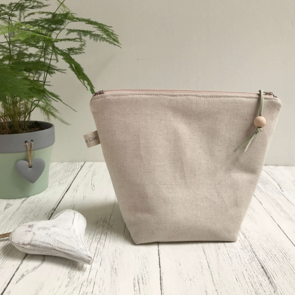 Cushie Doo - Lavender Grey Toiletry Bag (1)b
